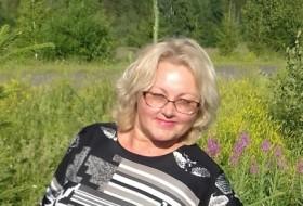 Vera, 58 - Just Me