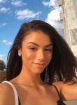 izzabelle Loren, 25  , New Rochelle
