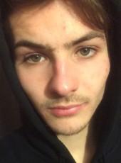 Antonio, 19, République Française, Le Mesnil