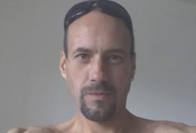 Leksey, 40 - Just Me