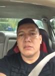 Víctor, 43  , Pinewood