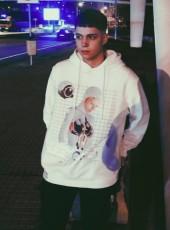 Oscar, 18, Spain, A Coruna