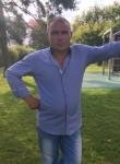 Gazi , 40  , Lisieux