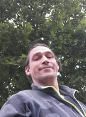 Floch, 42, France, Paris