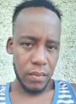 Amos, 31  , Carrefour