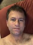 Vic, 46, Lansing (State of Michigan)