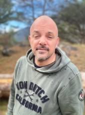 Julian, 42, France, Nimes