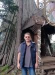 LEV, 51  , Surgut