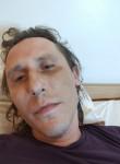 Laulau, 37  , Luxembourg