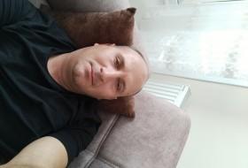 Engin, 42 - Just Me