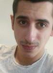 Mehdi, 25  , Sainte-Luce-sur-Loire
