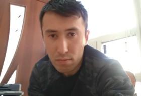 Damir, 29 - Just Me