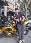 Bahadir, 18, Istanbul