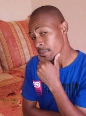 Motsie, 41, Botswana, Molepolole