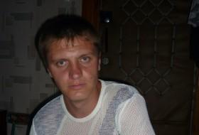 Dmitriy , 41 - Just Me