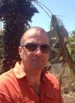 Artur, 52  , Marseille