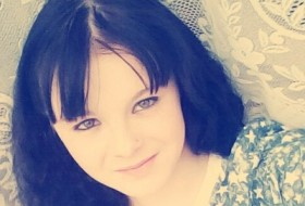 Diana, 19 - Just Me