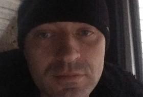 Taras, 37 - Just Me