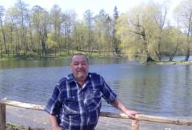 Valeriy , 63 - Just Me