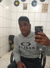 Emerson, 23, Brazil, Avare