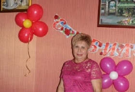 Anna, 59 - Just Me