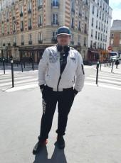 Alex, 27, France, Paris