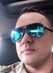 Lucas, 41, Edmonton