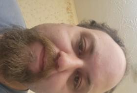 Derek, 30 - Just Me