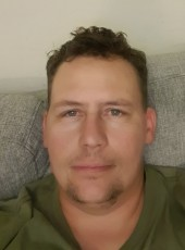 Haukill, 38, Norway, Skien