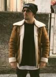 Luciano, 22  , Battipaglia