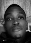 Ngomez , 30  , Dakar
