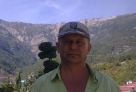 Yuriy, 49 - Just Me