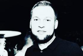Dmitriy , 28 - Just Me
