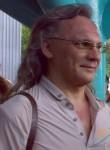 Yuriy, 57  , Samara