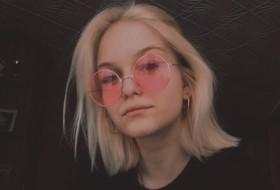 Evelinka, 19 - Just Me