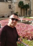 Habib, 32  , Bordeaux