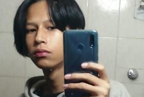 Alejandro , 18 - Just Me