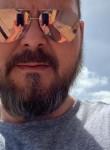 Johnny, 40  , Chicago