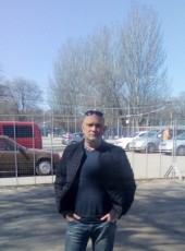 Роман, 41, Россия, Ростов-на-Дону
