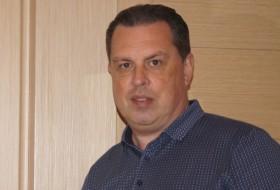 Viktor, 49 - Just Me