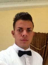 Leonel, 23, Cuba, Havana