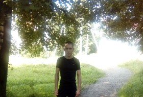 Aleksandr Sadi, 33 - Just Me
