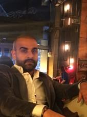 Ibelian, 33, Türkiye Cumhuriyeti, İstanbul