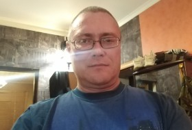 Timur, 44 - Just Me
