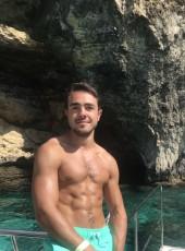 Rémi, 23, France, Croix