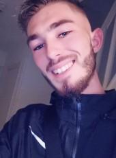 Arthur , 21, France, Equeurdreville-Hainneville
