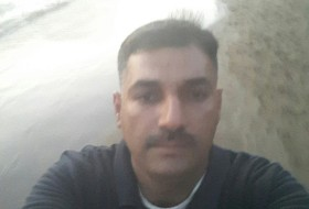 احمد , 31 - Just Me
