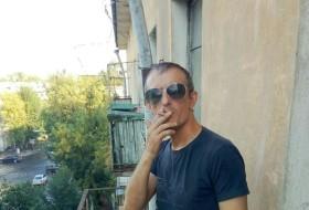 Maksim , 35 - Just Me