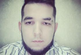 Kamol, 26 - Just Me