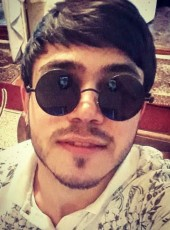 DAV, 19, Armenia, Gyumri